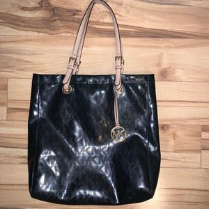 Michael Kors Jet Set Black Tote